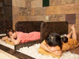 【岩盤浴】体の中からすっきりキレイに☆!4種の岩盤浴を満喫♪1泊2食バイキング付プラン